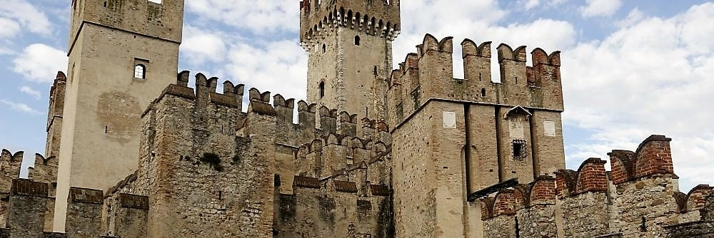 Scaliger castle Sirmione, Middle Ages North Italy